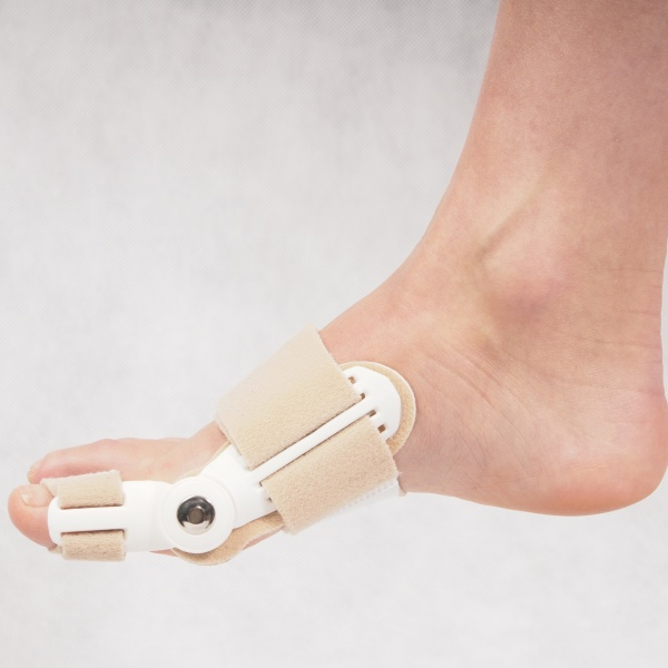 Ортопедический фиксатор для косточки на ноге - обзор и выбор лучшего